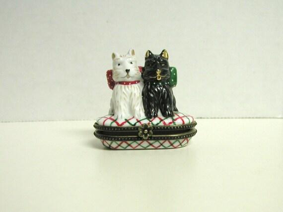 2 Scotty Dogs Trinket Box White Red Green