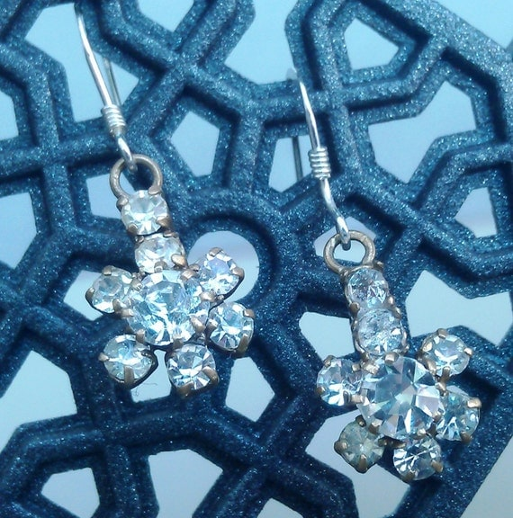 Vintage 1950s drop earrings dangled from sterling silver french backings