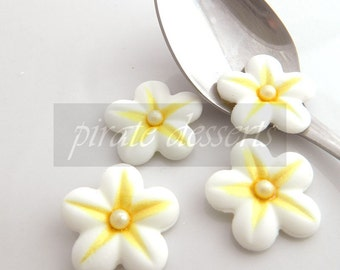 CANDY FLOWERS- Canary Yellow and White Sugar Flowers - 1 inch (25mm) Fondant Blossoms - Edible cake decorations (Yellow/White) (12 pieces)