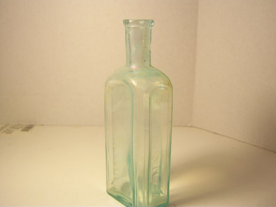 1880's Dr HA Tucker Brooklyn, NY Aqua Medicine bottle