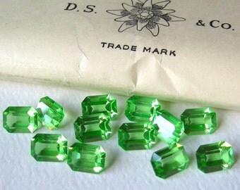 12 Vintage Peridot Swarovski Octagon Rectangle Crystals 8x6mm
