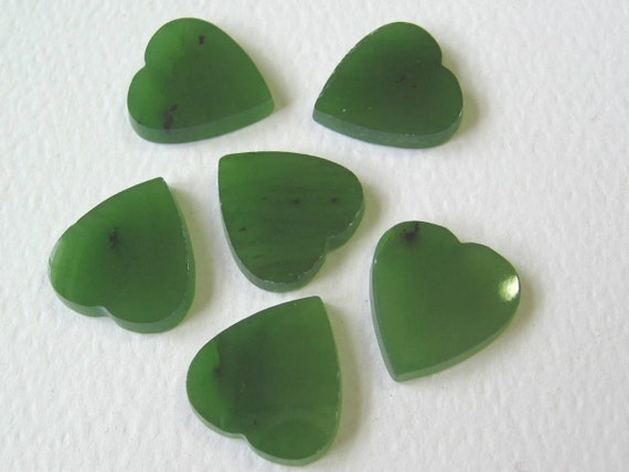 12 Green Jade Heart Stones 13mm