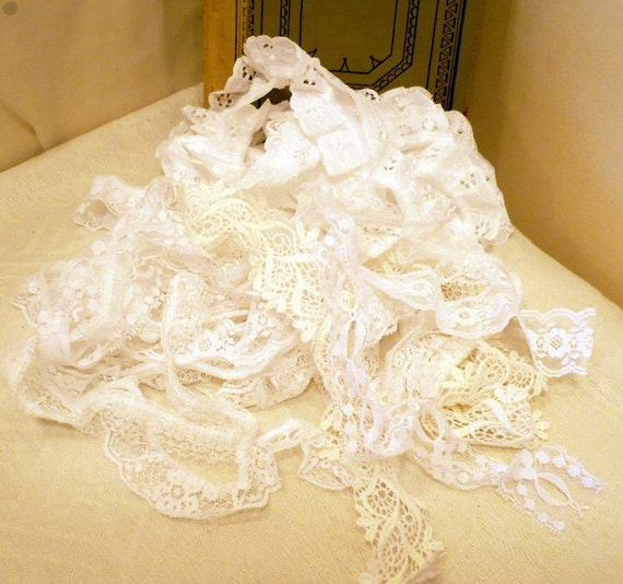 Vintage-Mixed bag with lace edging, trims,