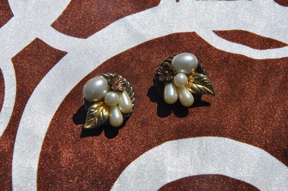 Vintage Faux Pearl & Gold Leaf Cluster Earrings