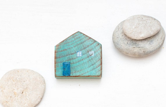 Wood house brooch - blue wooden house  - patina - mint