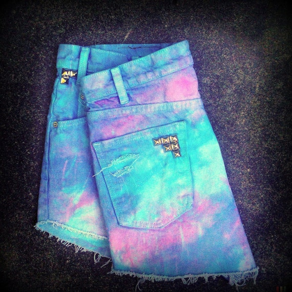 Vintage High Waisted Tie Dye Studded Levi's Cut Off Shorts Size 14