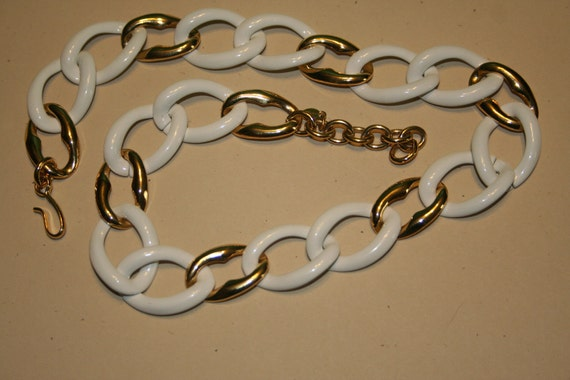 VINTAGE Summer necklace white and gold tone MONET u1