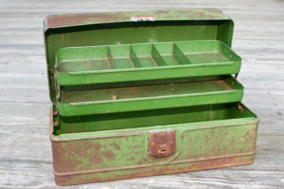 Vintage Green Metal Tackle Box with Shelf (2 Trays) and Storage