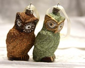 2 Christmas ornaments. Owls. Glitter. Sparkly. Green. Brown. Christmas tree.