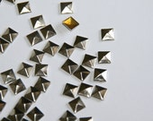 DIY Studs - 150 Silver 10mm Flat Back Pyramid Studs - Iron On, Hot Fix, or Glue On - Pyramids for iPhone Case, Sunglasses or Crafts