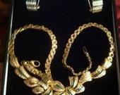 Stunning Estate 18k Gold Emerald and Diamond Necklace Set