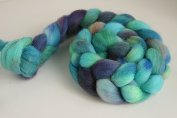"Handpainted Falkland Fiber for Spinning or Felting ""Sea Enchantress"" May Phat Fiber"