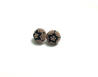 Black Star & Nude Brown Color Stud Earring
