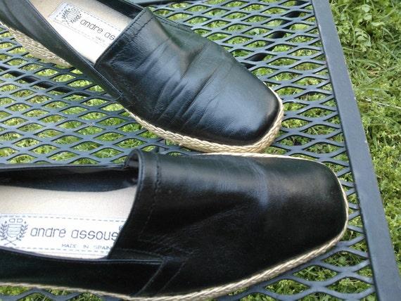 vtg 80s black leather espadrilles raffia  Andre Assous low wedge 7 M shoes