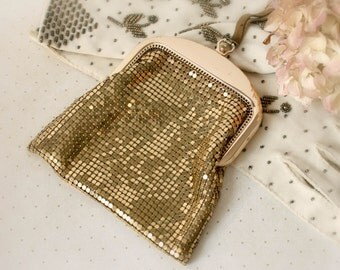 Vintage Gold Mesh Wristlet Purse - whiting and davis co opera bag Christmas prom homecoming party wedding