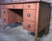 HENREDON Mid-Century Modern Desk  -  Curved Front  -  Great Condition  -  Fine Furniture
