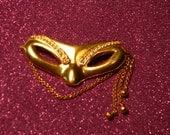 Retro Harlequin Mask Brooch Monet Goldtone with Rhinestones vintage MUST SEE