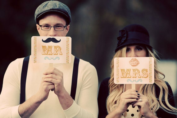 Photo Booth Prop Signs Vintage Look-Circus Carnival Theme-Mr/Mrs/Lips/Mustache-Thank You Double Sided Wedding Photo Prop Signs - Set of 2