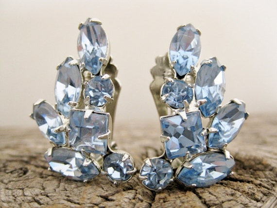 vintage 1950s clip-ons earrings. The BLUE CRYSTAL of the seas.