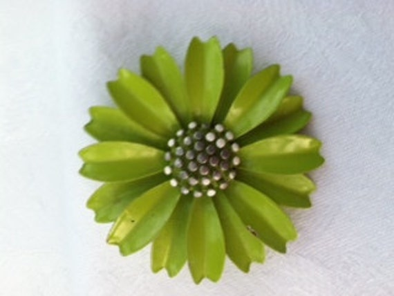 Vintage Trifari Green Apple Dasiy Flower Enamel Brooch