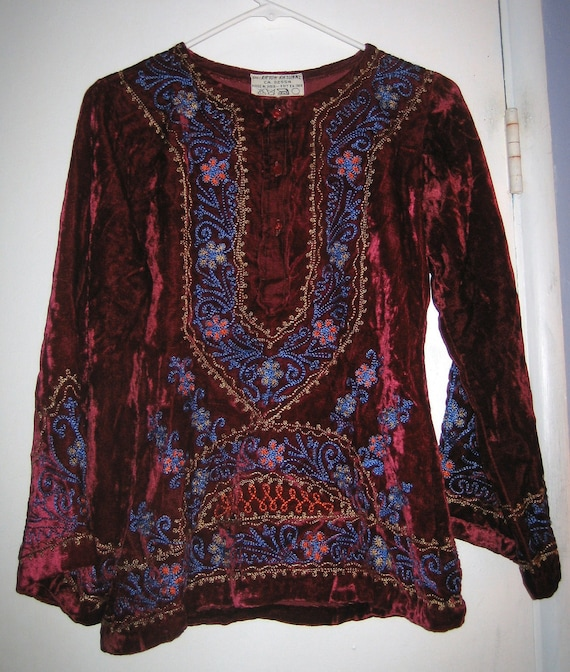 SALE / was 85/ Vintage Hippie Dark Red Wine Velvet Embroidered Ethnic Top/Shirt India Bell Sleeves