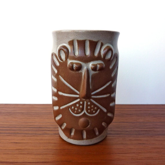 Lion or Cat Vase in the style of David Stewart for Lion's Valley