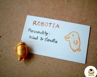 ROBOTIA: Miniature Goledn Clay Robot, clay figure, keychain, charm, pendant, mini, tiny, dollhouse, faux rhinestone, accessories, iammie