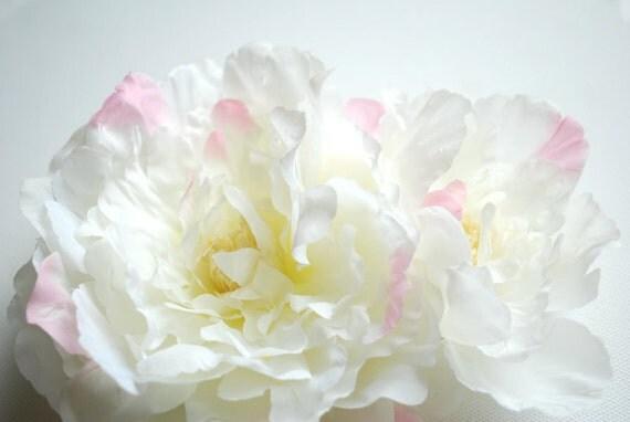 White peony-Hair clip-Weddings,Accessories Hair bride,bridesmaid,girl photo prop-White,pink-Silk,artificial flowers