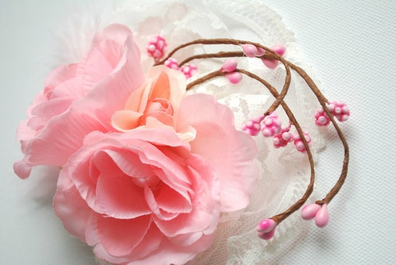 Romantic roses-Hair comb,alligator clip or brooch-Bride,bridesmaid,shabby chic wedding,photo prop-Pale pink