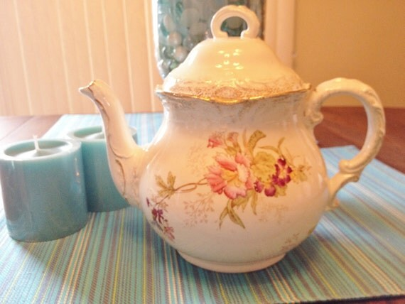 Beautiful Cottage Chic German Teapot