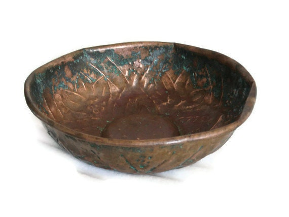 Very rustic tarnished COPPER bath house BOWL - VERDIGRIS green patina - Oriental country home decor - Bathroom spa massage accessories