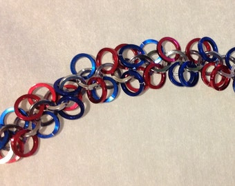 Red-silver-blue chainmaille bracelet square aluminum