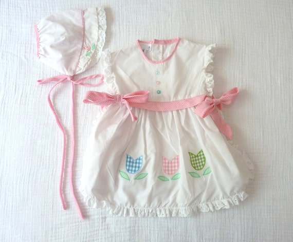 Apron dress and bonnet, 18 months. Gingham and white.