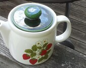 McCoy Teapot Strawberry Country Pattern 1979