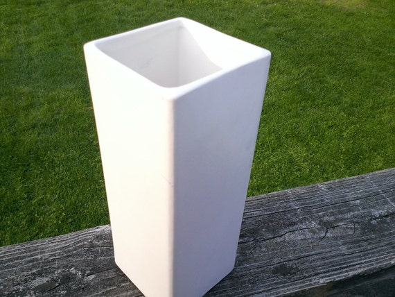 White McCoy Vase Square Accents