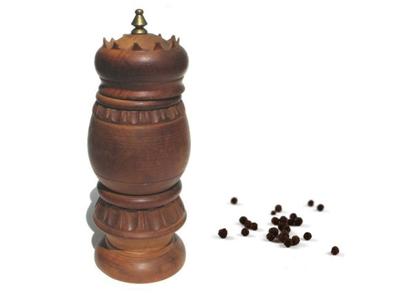 Vintage Made in Italy Pepper Grinder - Retro wooden - 1970s 70s