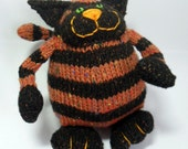 Chester the Knitted Cat