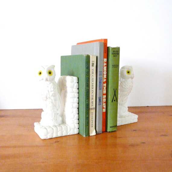 vintage bookends, white owls, mid century, modern, mod, white decor, yellow eyes, owl decor, bookend, library