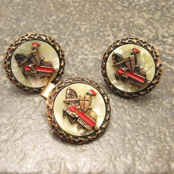 Vintage Cufflinks Huge Knight on Horse Mother of Pearl H053