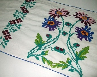 Vintage Traditional Romanian Hand Embroidered Cotton Flowers Tabble Runner Wall Hanging