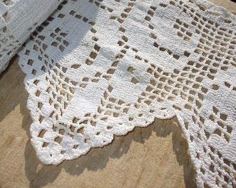 Vintage hand crochet cotton lace edging