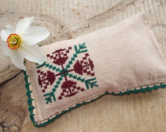 Vintage Look Traditional Primitive Cross Stitch Pincushion