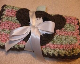 Hand-crocheted Pocket-face Burp Cloth