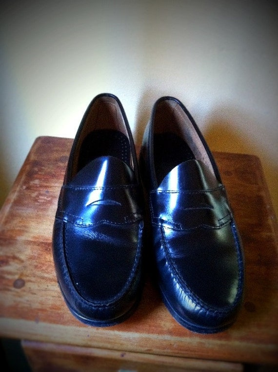 G.H. Bass and Co. Weejuns Men's black penny loafers size