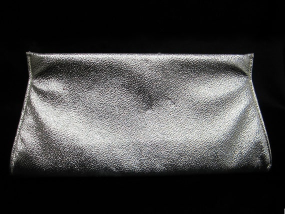 1960s Silver Vegan Leather Clutch - Mod Glam Clubbing Prom Wedding