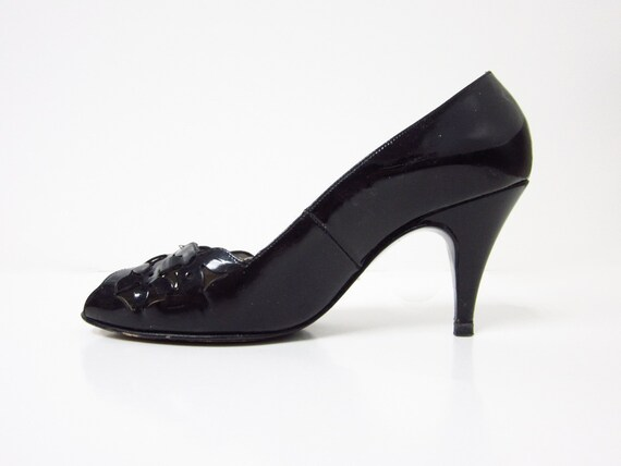 1980s Black Patent Leather Summer Peep-toe Heels with Cut Out Detailing - Size 6