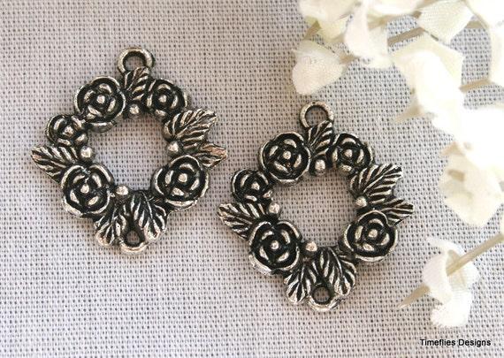2 Tibetan Silver Flower Wreath Charm/Pendants