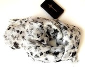 Scarf  white colour with grey and black flowers