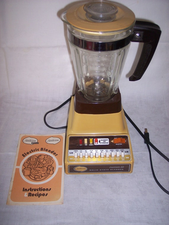 Vintage Sunbeam 20 Speed Blender Solid State 1970s Gold with Glass Pitcher Instructions