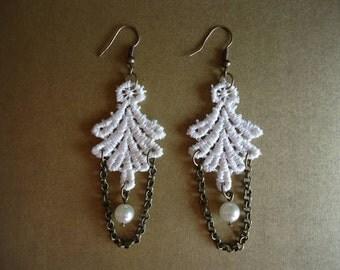 lace earrings, vintage earrings, victorian earrings, pearl earrings, bridesmaid gift, bridal earrings, wedding earrings, ivory earrings